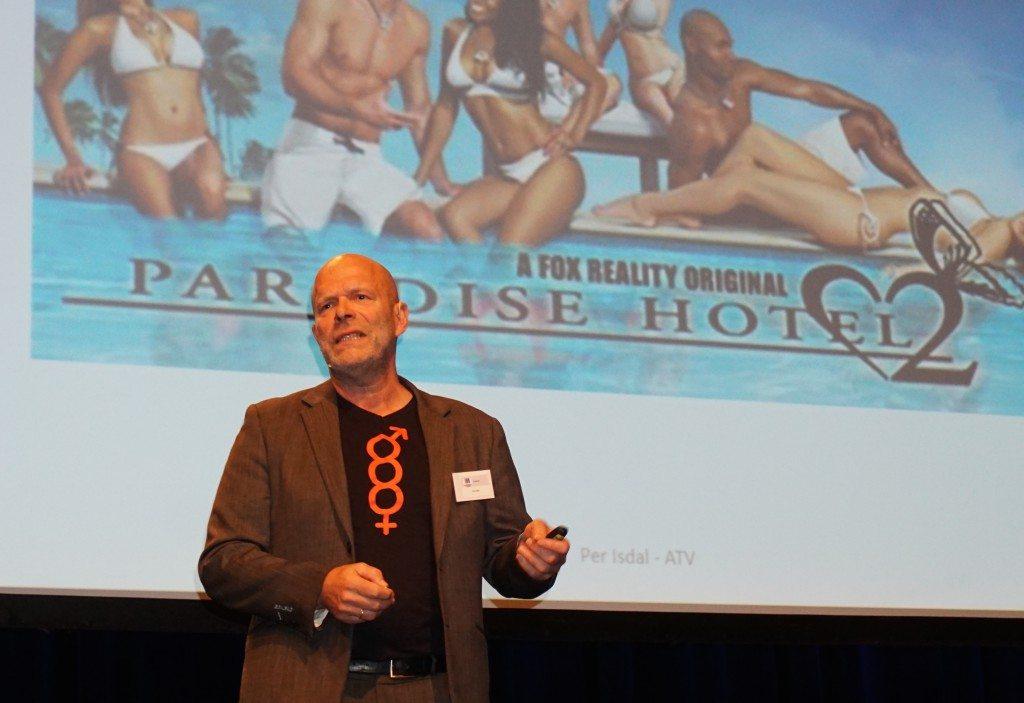 – Jeg føler at dette ikke er noe jeg bør se på, sa psykologspesialist Per Isdal om sin plutselige forkjærlighet for realityprogrammet Paradise Hotel. Foto: Torunn Teig Sivertsen.