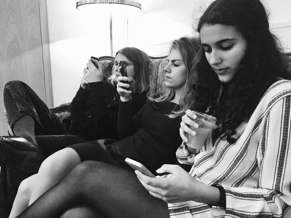 Hva ville du gjort uten din kjære smarttelefon? Foto: Fredrik Lian.