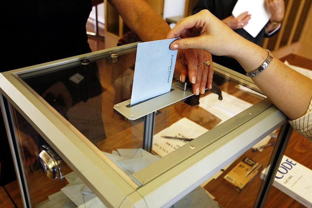 Studenter og ansatte går til stemmeurnene den 9. mai.